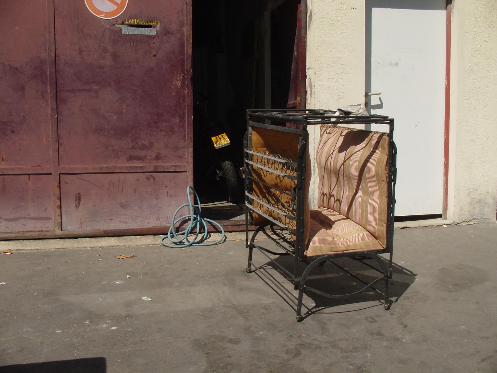la prairie chez vous vente aux encheres emmaus dijon 21 studio mustard. Black Bedroom Furniture Sets. Home Design Ideas
